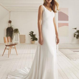 Robe de mariée White One modèle Okawa