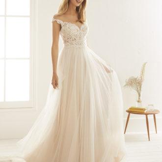 Robe de mariée White One modèle Olesa