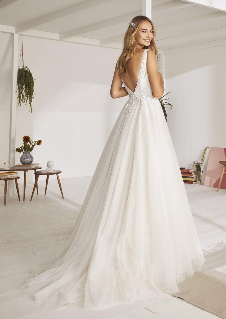 Robe de mariée White One modèle Othenia -