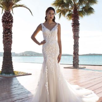 Robe de mariée Cosmobella modèle 8008