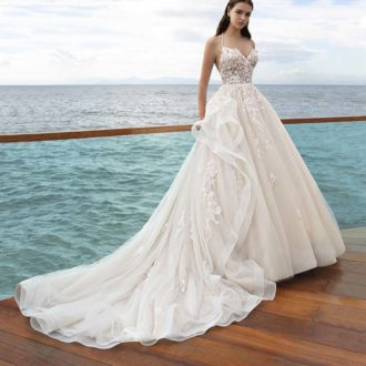 Robe de mariée Cosmobella modèle 8019