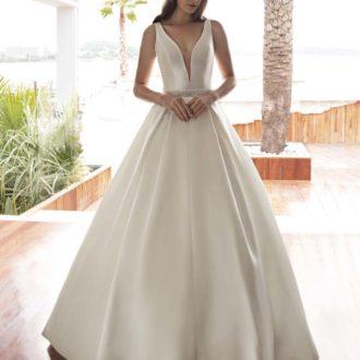 Robe de mariée Cosmobella modèle 8030