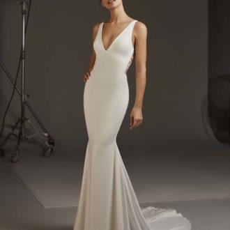 Robe de mariée Pronovias modèle AQUILA