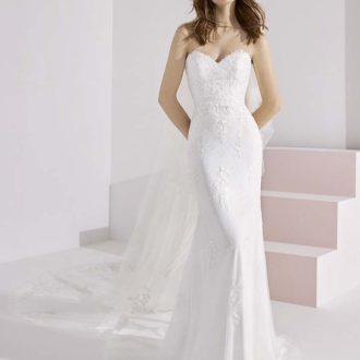 Robe de mariée White One Essential modèle CHARMIN