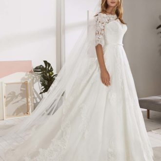 Robe de mariée White One modèle OSSA